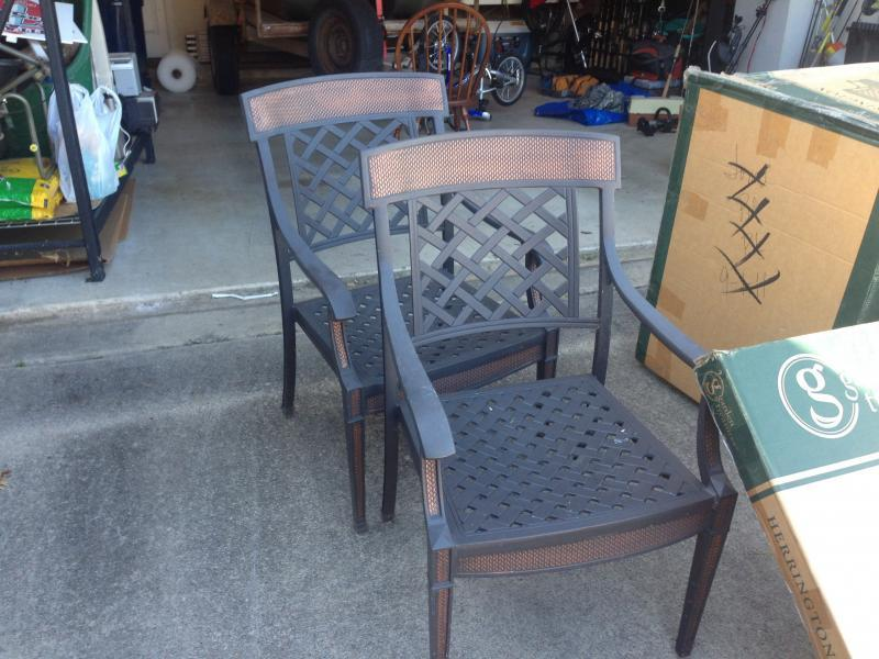 LUXURY HIGH END FURNITURE OUTDOOR PATIO SET NEW IN BOX & HAVERTYS BERNHA